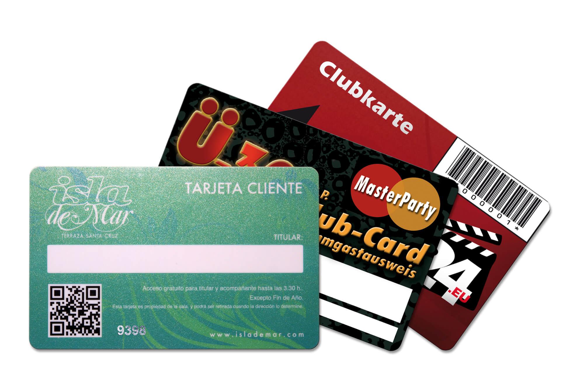 Fächer aus drei Clubkarten